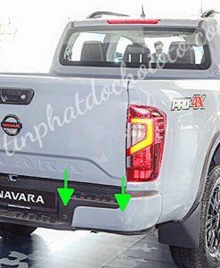 Lắp Cảm Biến Lùi Nissan Navara