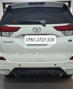 Lắp Cảm Biến Lùi Toyota Rush